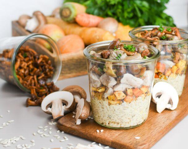 Bocal de risotto aux champignons des bois et poulet