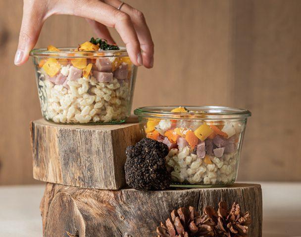 Bocal de coquillotto truffé, jambon cuit et petits légumes