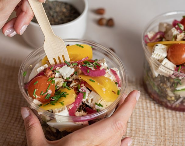 Moyenne salade lentilles vertes, betterave, fromage type feta