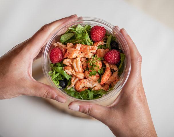 Moyenne salade écrevisses, riso & framboises